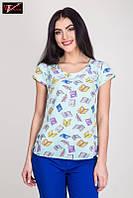 Стильная женская блузка   из легкой ткани стрейч-вискозы голубого цвета.