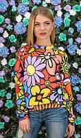 Свитшот с ярким цветочным принтом