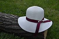 Стильная женская летняя соломенная шляпа бежевого цвета с лентой цвета марсала