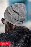 Модная женская шапка с россыпью камней