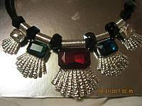 БИЖУТЕРИЯ колье бусы ожерелья под серебро цветные камни красный зеленый новые стильные модные украшения
