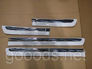Молдинги на двери Лексус ЛХ 570 (черные, белые)