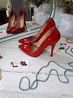 Женские туфли-лодочки красный  лак