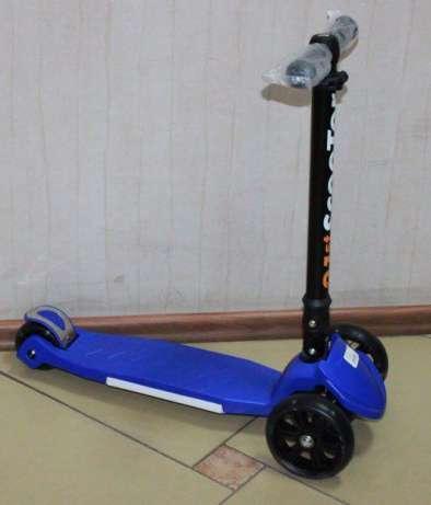 Детский трехколесный самокат СИНИЙ TILLY BT-KS-0095 со световыми эффектами