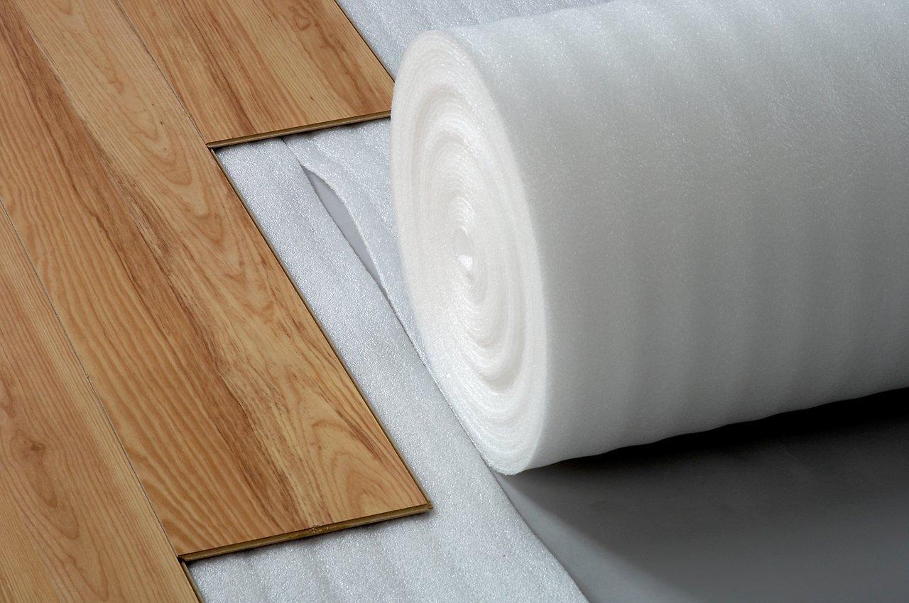 Тишина и тепло: выбираем подложки для напольного покрытия