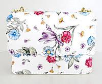 Жіноча маленька сумочка  . Італія 100% натуральна шкіра . Біла з квітами з жовтою цепочкою, фото 1