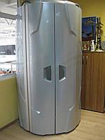Солярий вертикальный Luxura V5 Intensive серебристого цвета