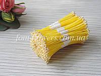 Тайские тычинки молочные, мелкие на желтой нитке, фото 1