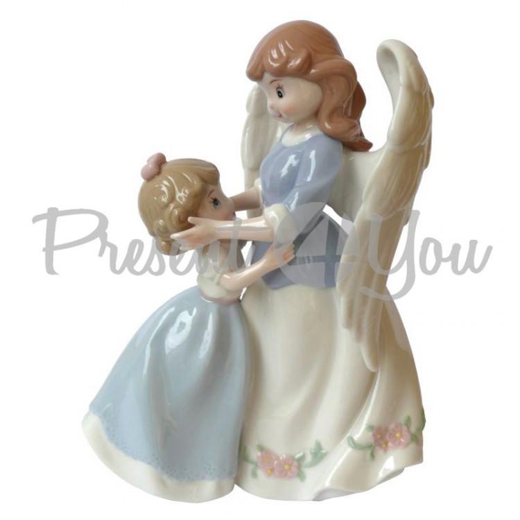 Фигурка статуэтка  фарфоровая колекционная «Ангел с ребенком» h-17 см.