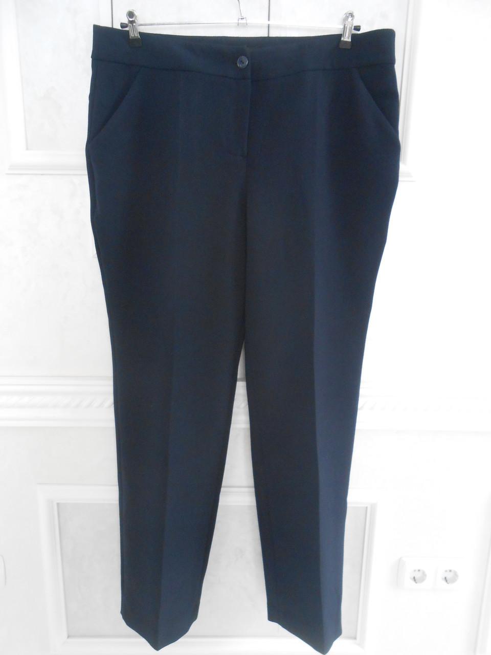 Штани жіночі класичні сині зі стрілками і кишенями великого розміру 58