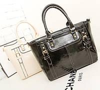 Модная лакированная сумка