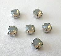 Кристаллы Swarovski в серебряных цапах 17704 Light Grey Opal