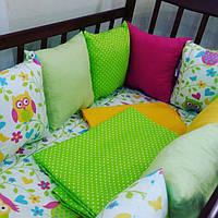 Бортики-защита в детскую кроватку + комплект постельного белья