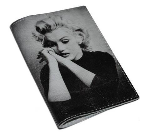 Кожаная женская обложка для паспорта -Задумчивая Мерлин-, фото 2