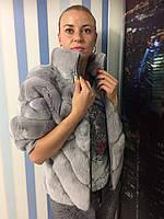 Женский полушубок из натурального меха светло -серый