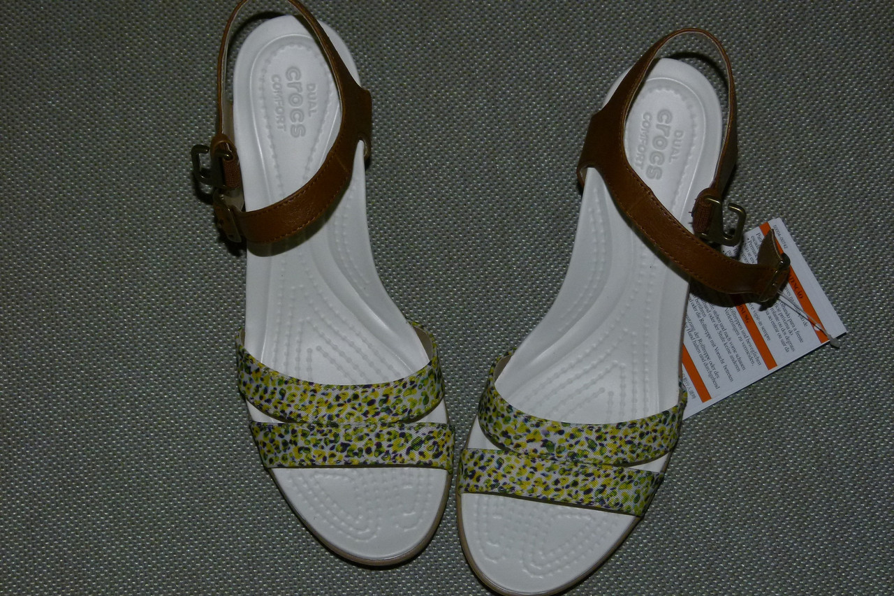 b71b9219754a Босоножки Crocs Leigh II Ankle Strap Wedge, W9, W10
