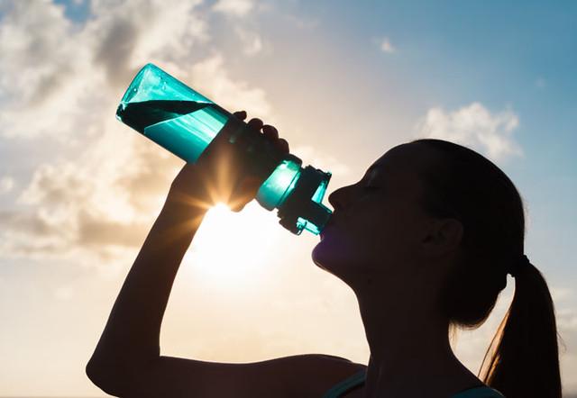 Бутылки и фляги для воды, фруктов
