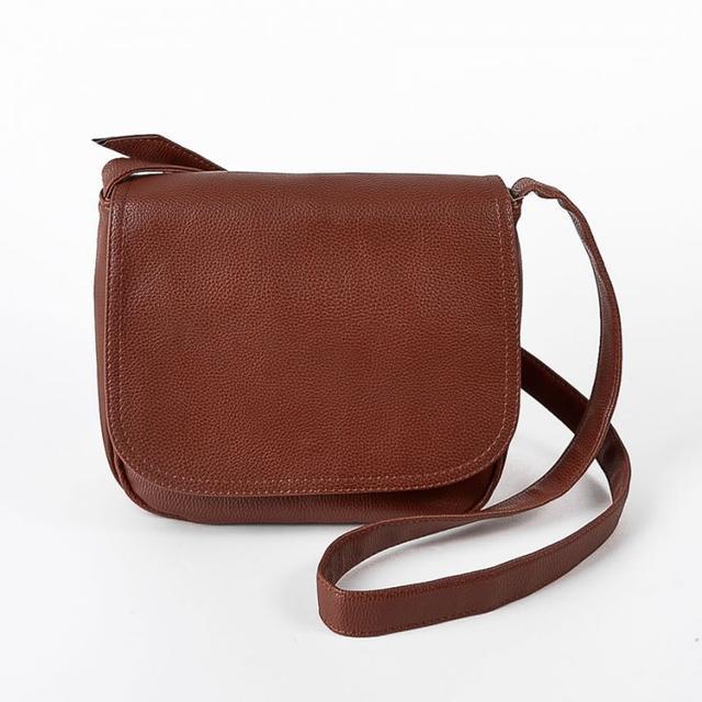 581f4968b663 Коричневая сумочка через плечо М52-40 среднего размера молодежная ...