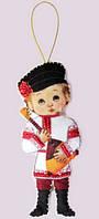 Набор для вышивания и шитья куклы из фетра Кукла. Россия - М