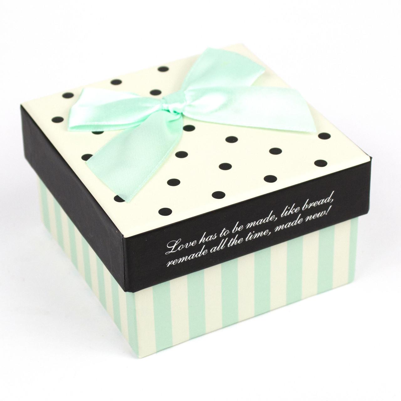 Коробка квадратная с мятным бантом 9.5x9.5x5.8 cm