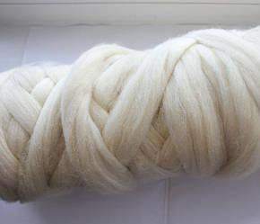 Толстая, крупная пряжа, 100% шерсть овечья для валяния, 50г. Цвет: Суровый. 25-26 мкрн. Топс. Лента