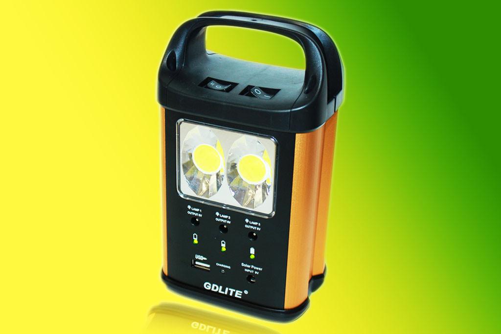 Портативная солнечная система GDLITE GD-8131 (+ нож кредитка в подарок!)