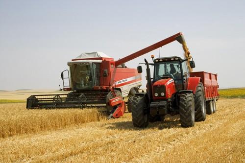 Отечественная или импортная сельхозтехника — приоритет выбора