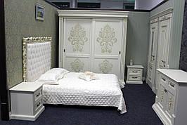 Шкаф для спальни из натурального дерева