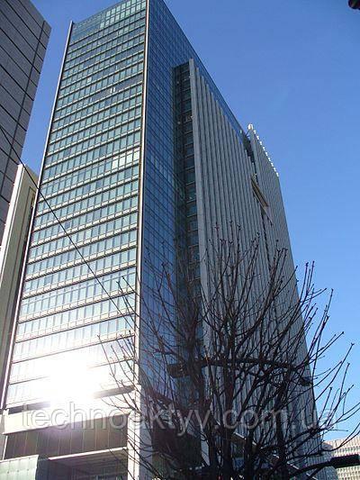 здание штаб-квартиры Mitsubishi Electric Corporation в Токио.