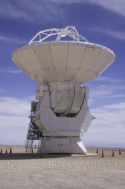 Антенна производства компании Mitsubishi Electric для астрономической обсерватории Атакама в Чили