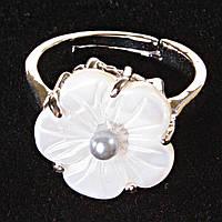 Кольцо безразмерное цветок серая жемчужина Перламутр резное