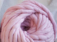 Толстая пряжа ручного прядения. 100% шерсть. Цвет Светло-розовый.