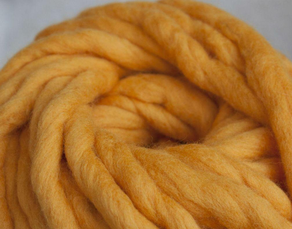 Толстая пряжа ручного прядения. 100% шерсть. Цвет Канарейка