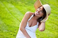 Летние шляпки – «палочка-выручалочка» для любой женщины