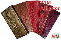 Женский кошелёк Wild Alligator из натуральной кожи c объёмным рисунком крокодила