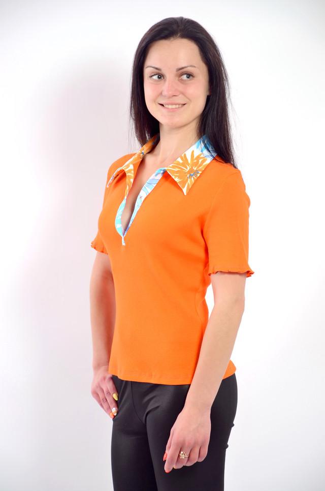 оранжевая рубашка трикотажная футболка