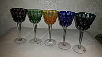 Цветные хрустальные бокалы для вина