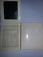 Хайлайтер для лица Kylie Jenner French Vanilla