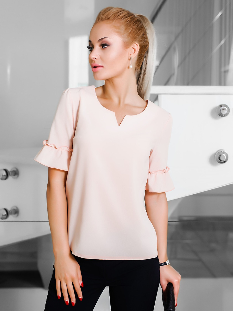 L | Жіноча однотонна персикова блузка Nina
