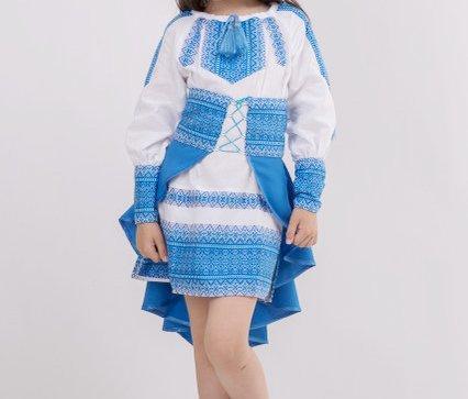 Модный вышитый костюм для девочки Павлин