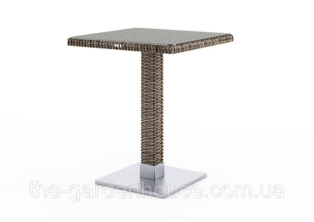 Кофейный столик Quadro Royal из искусственного ротанга со стеклом 60х60 см бежевый