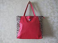 Красная сумка с леопардом