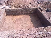 Копка ям, траншей, планирование земли