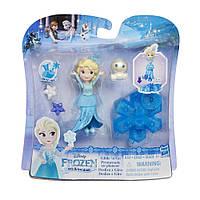 Маленькая кукла Elsa Холодное Сердце на движущейся платформе снежинке Hasbro (B9873)