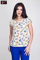 Женская блузка   из легкой ткани стрейч-вискозы молочного  цвета.