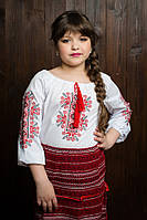 Модная блузка с рукавом 3/4 и вышивкой на груди и рукавах из батиста