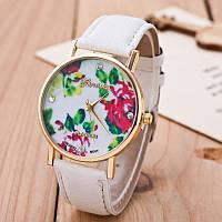 Часы наручные женские Женева Цветы белый ремешок