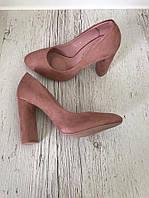 Элегантные туфли на устойчивом каблуке. Материал : иск.замш. Цвет: пудра. Р-р 36-40.