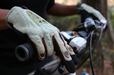 Велоперчатки