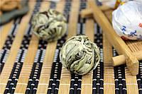 """Белый Пуэр """"Тянь Сян Сюэ Я"""" (Ароматные снежные почки) мини тоу ча 2014 года, шарик 8 грамм"""